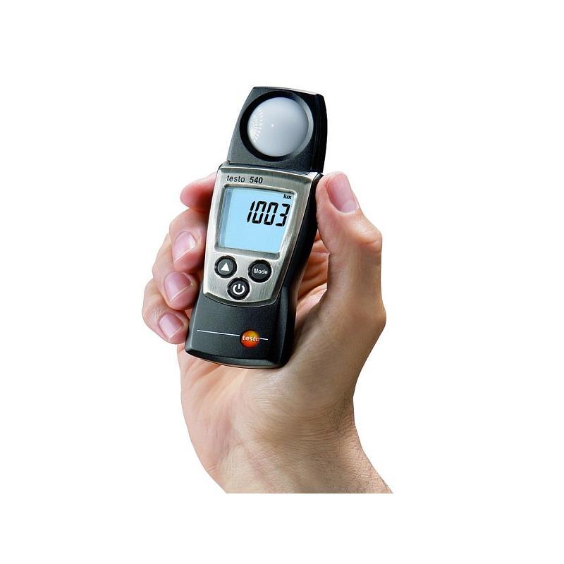 Mesure de l'intensité lumineuse : luxmètre 540